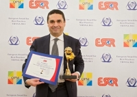 "UniCredit de Italia recibió el premio ""European Award for Best Practices 2013"" de la ESQR en Viena (Austria)."