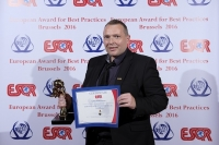 Cathay Pacific Airways из Гонконга, Китай, получил награду European Award for Best Practices 2016 от ESQR (European Society for Quality Research) на конвенции в Брюсселе (Бельгия ) 4 июня 2016