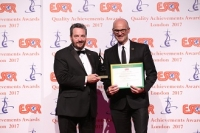 Chapman University de los EEUU recibió el premio ESQR's Quality Achievements Award 2017 de la ESQR (European Society for Quality Research) en la Convención en Londres, el 4 de junio del 2017.
